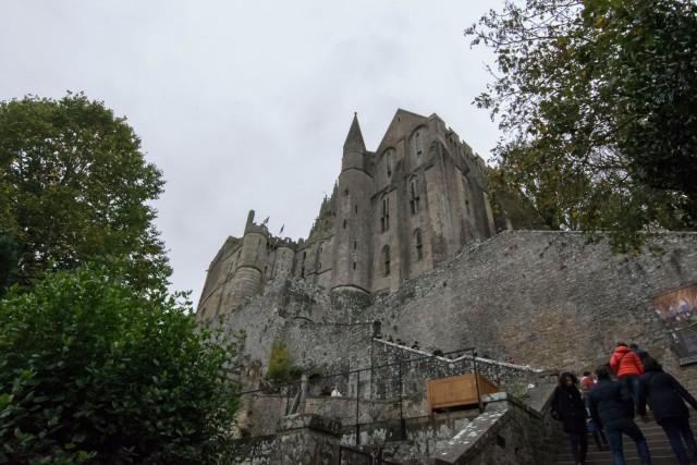 Subida hacia la Abadía de Saint-Michel
